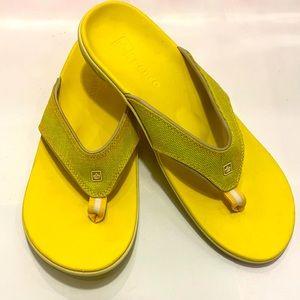 NWOT Spenco Women Canvas Yumi Sandals. Size:11